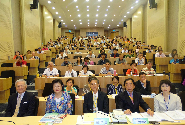 社區領域產、官、學界代表共計203人參加,座無虛席。(106.09.18)